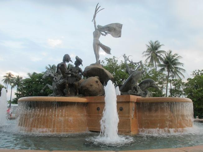 Raíces Fountain