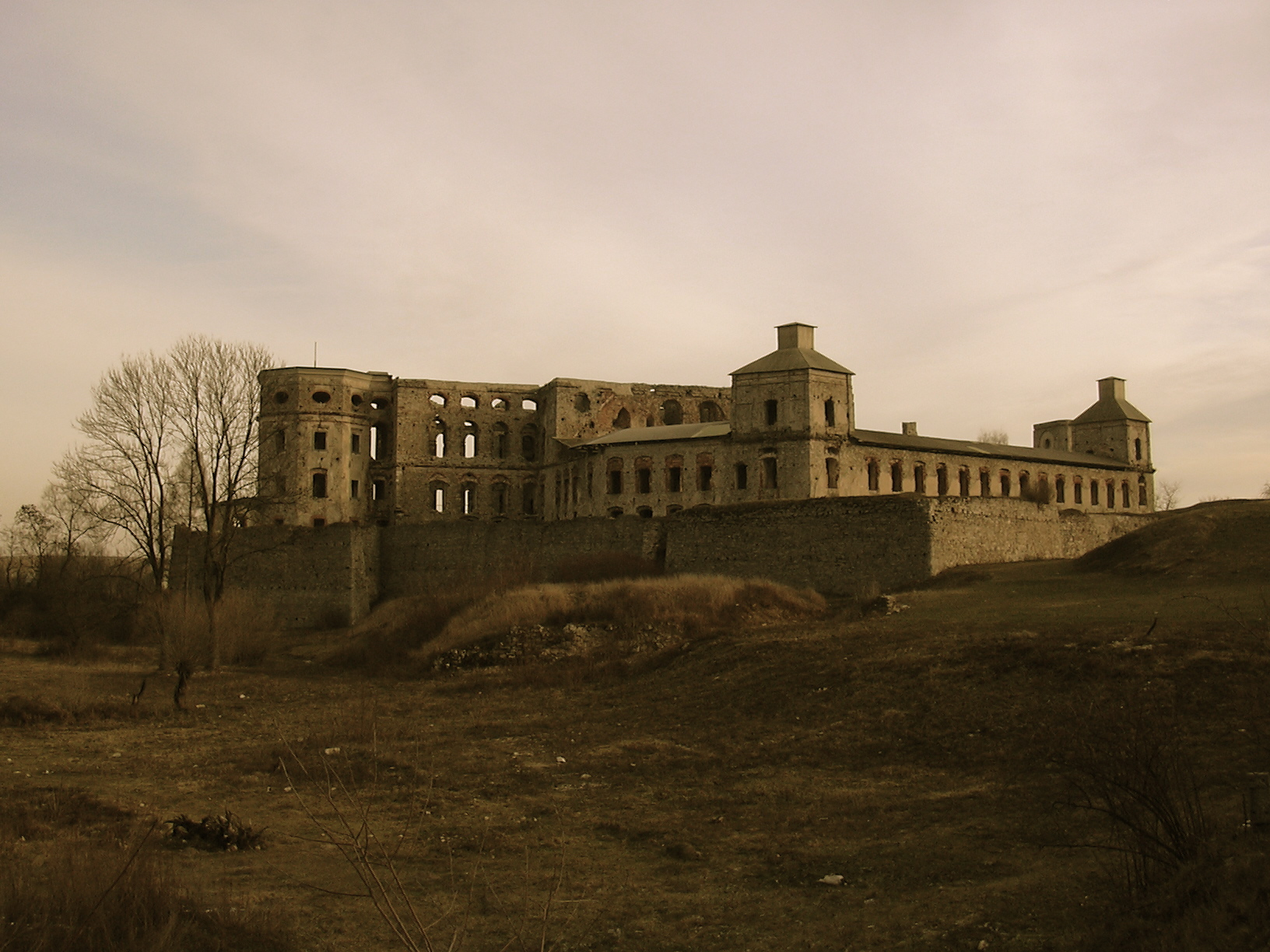 Beauty of abandoned places | Sandstone and amber Pictures Abandoned Places In Spanje